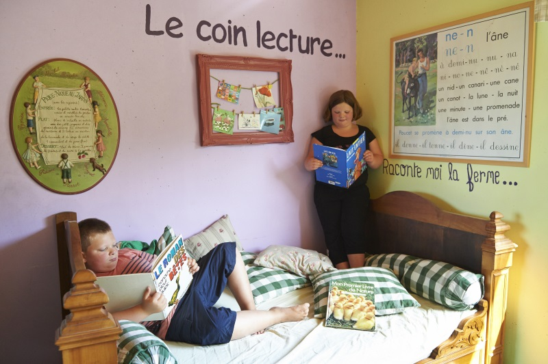 Le coin salon lecture la ferme de croas men La cloison magnifique le coin salon